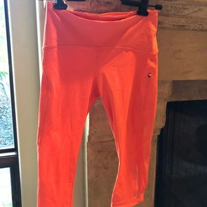 Lululemon size 4 neon orange coral crop leggings